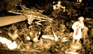 Immagini della tragedia e di qualche furbastro che già vende coperte agli sfollati